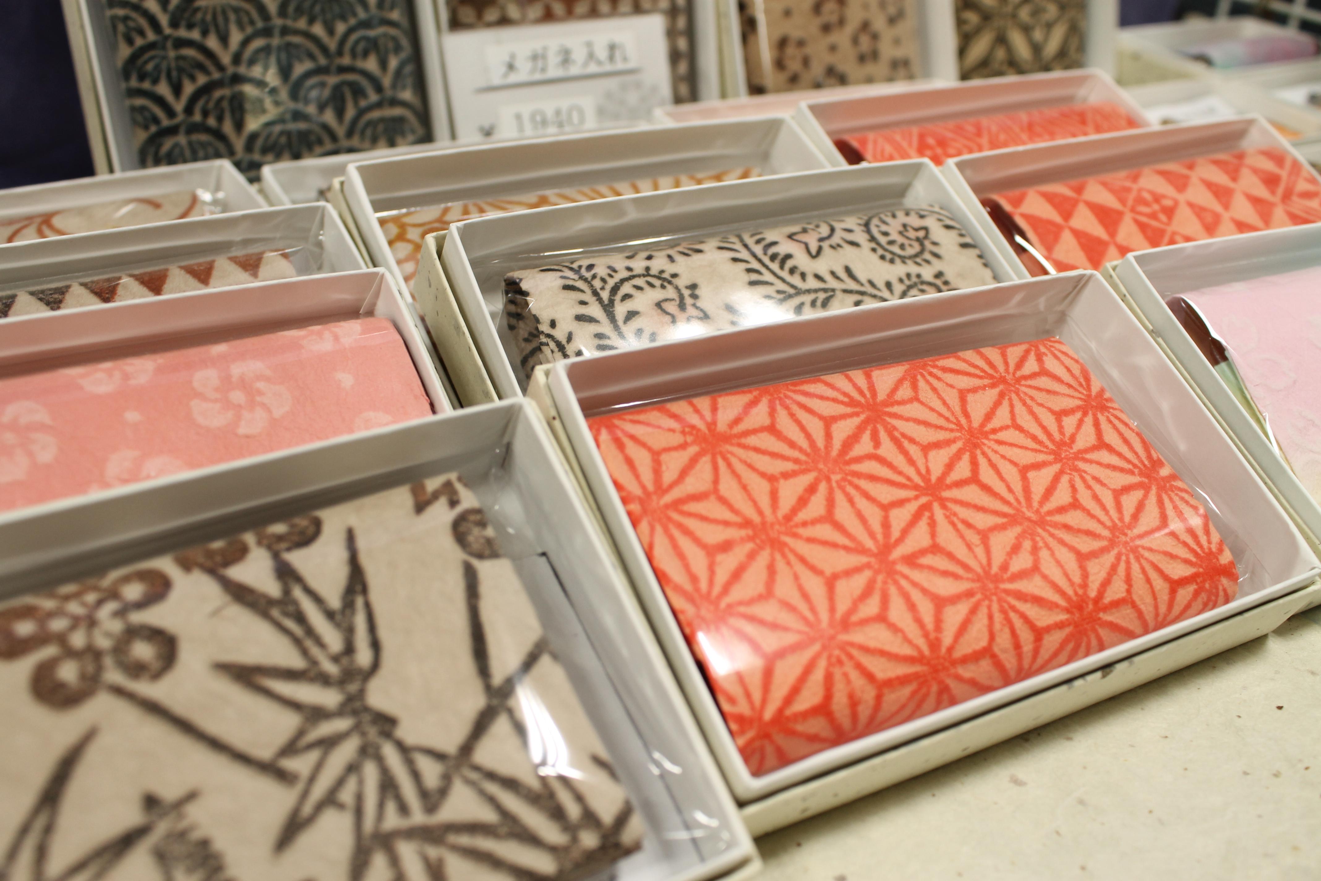 白石和紙を使った製品が手に入る場所