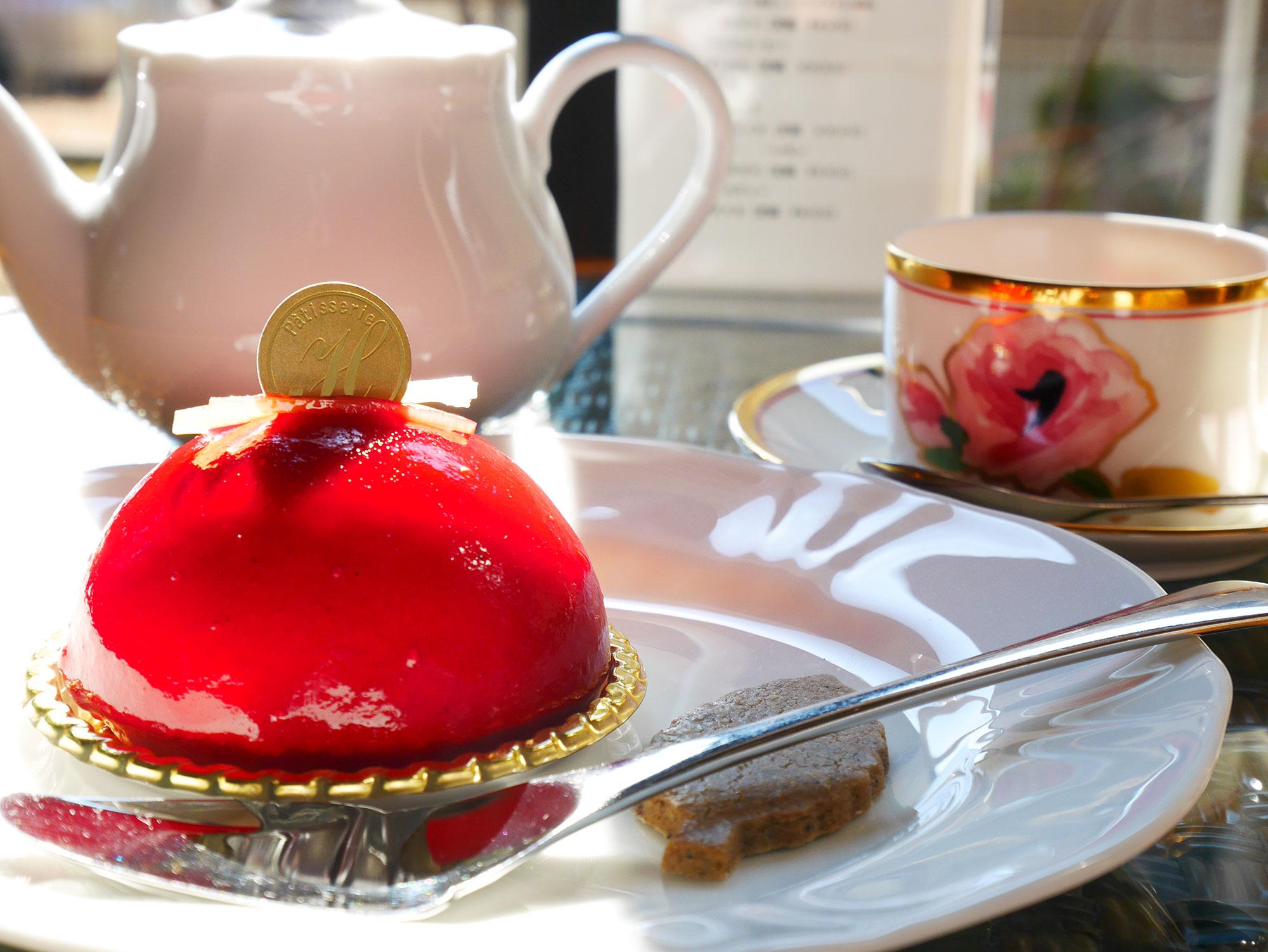 人気のケーキを紅茶とともに…